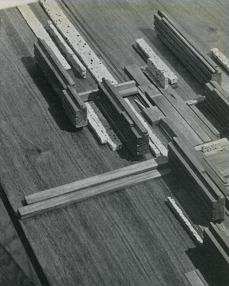 Giorgio Bay, Fausto Colombo, Pier Luigi Crosta, Giorgio Ferraresi, Cesare Pellegrini. Casabella 259 1962, 55